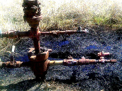 creek-county-abandoned-oil-well-a-leaky-mess.1269369986000-1